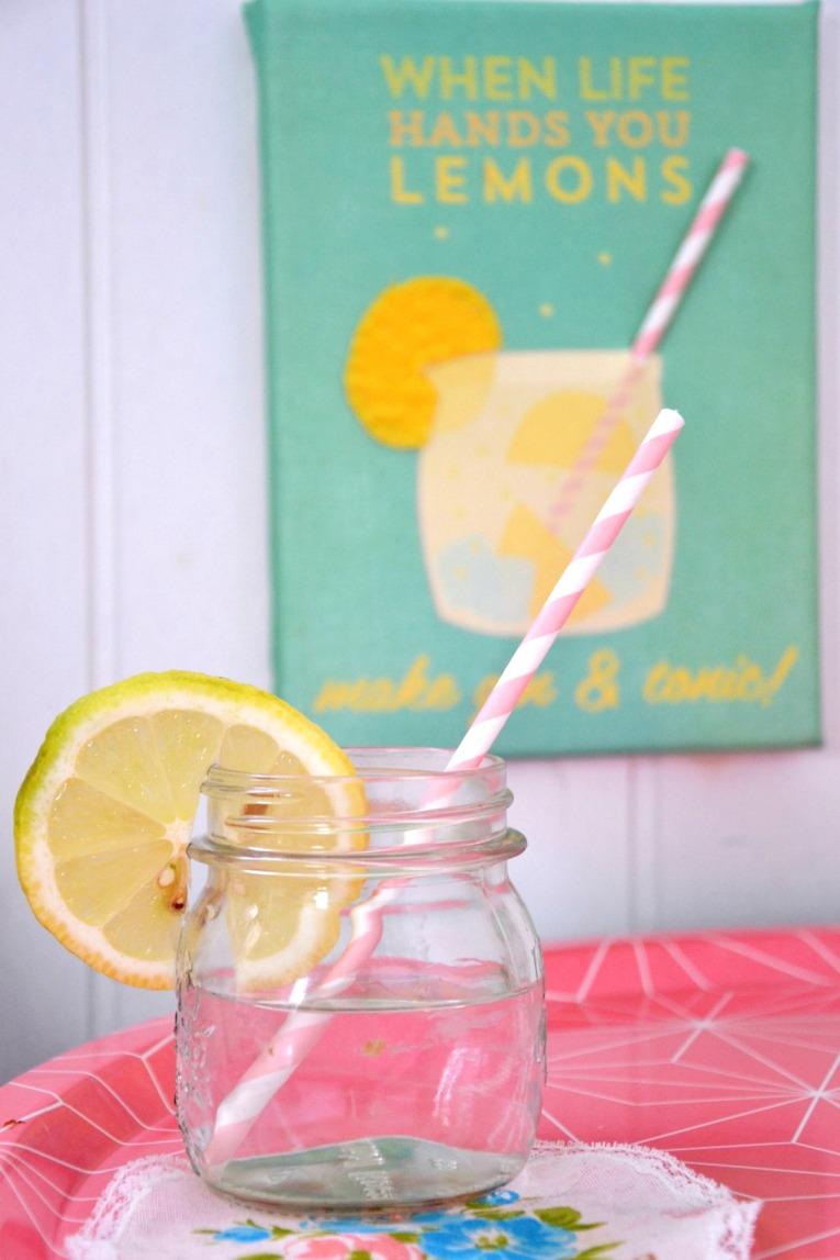un barattolo di limoni